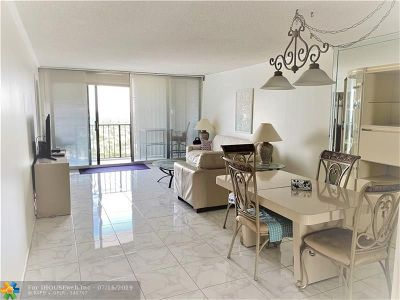 Hollywood Condo/Townhouse For Sale: 2401 S Ocean Dr #2106