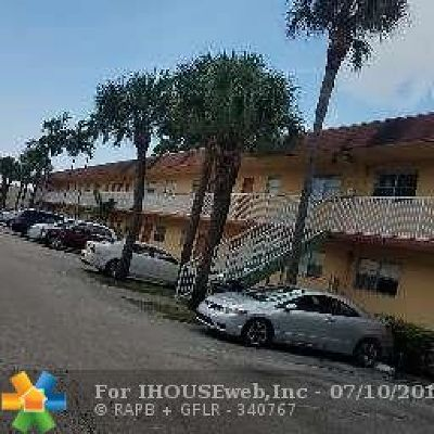 Oakland Park Condo/Townhouse Backup Contract-Call LA: 850 E Commercial Blvd #124- C