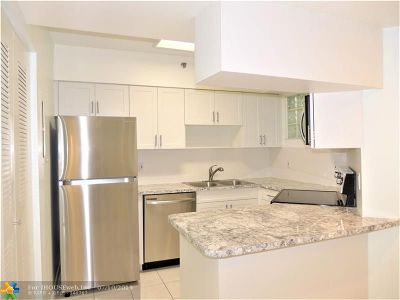 Surfside Condo/Townhouse For Sale: 9156 Collins Ave #109