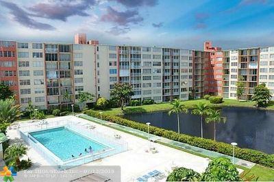 Miami Condo/Townhouse For Sale: 1780 NE 191st St #513-2