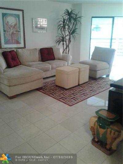 Plantation Condo/Townhouse For Sale: 6555 W Broward Blvd #406