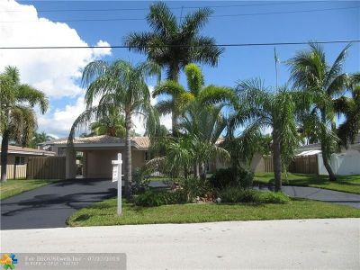 Pompano Beach Single Family Home For Sale: 2533 SE 10th St