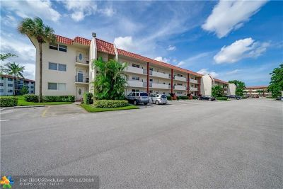 Pembroke Pines Condo/Townhouse For Sale: 9523 S Hollybrook Lake Dr #105