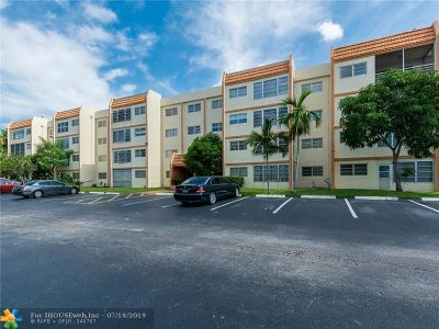 Lauderhill Condo/Townhouse For Sale: 2451 NW 41st Ave #411