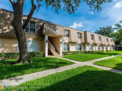 Plantation Condo/Townhouse For Sale: 332 NW 69th Ave #294