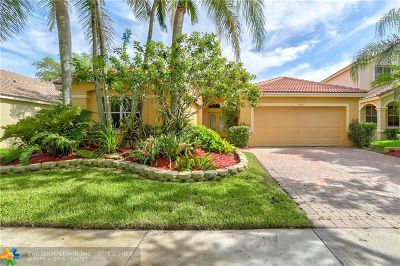 Weston Single Family Home For Sale: 1362 Meadows Blvd