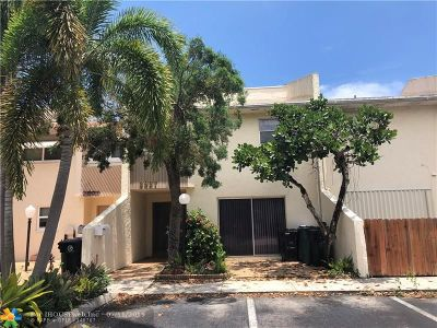 Fort Lauderdale Condo/Townhouse For Sale: 2927 NW 68th St #2927