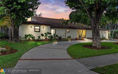 Plantation Single Family Home For Sale: 233 E Acre Dr