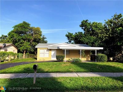 Deerfield Beach Single Family Home For Sale: 731 NW 1st Ter