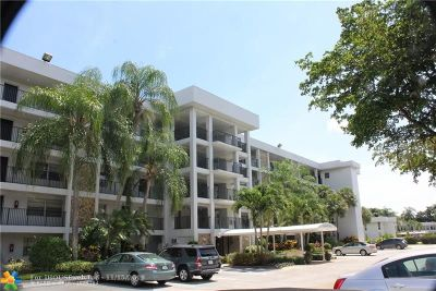 Pompano Beach Condo/Townhouse For Sale: 4030 W Palm Aire Dr #208