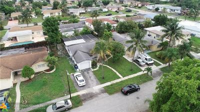 Lauderdale Lakes Single Family Home For Sale: 3349 NW 33rd St