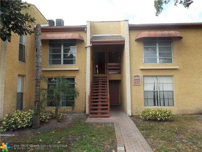 Tamarac Condo/Townhouse For Sale: 4443 Treehouse Lane #H