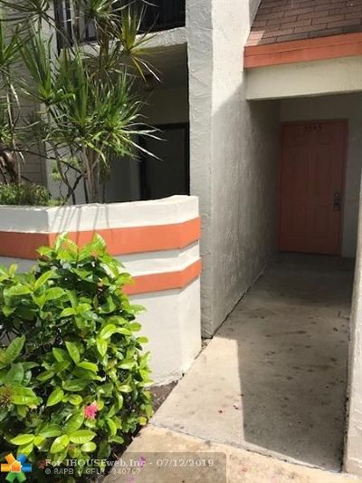 Margate Condo/Townhouse For Sale: 5543 Courtyard Dr #5543