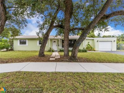 Broward County Single Family Home For Sale: 1300 N 27th Ave