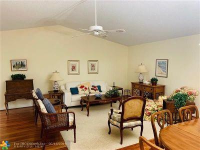 Boca Raton Condo/Townhouse For Sale: 23473 Barlake Dr #23473