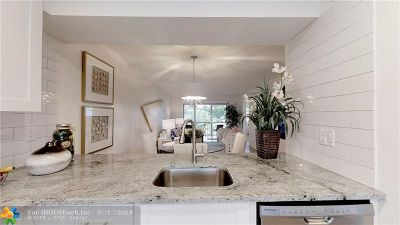 Coconut Creek Condo/Townhouse For Sale: 2613 Nassau Bnd #2F