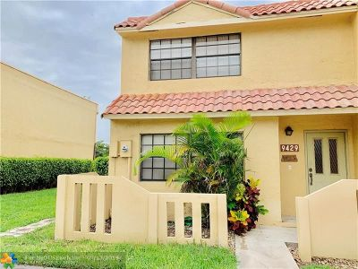 Sunrise Condo/Townhouse For Sale: 9429 NW 39th Pl