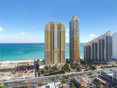 Sunny Isles Beach Condo/Townhouse For Sale: 17875 Collins Ave #1705