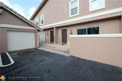 Coral Springs Condo/Townhouse For Sale: 4349 Coral Springs Dr #4349