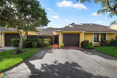 Boca Raton Condo/Townhouse For Sale: 22562 Vistawood Way #22562