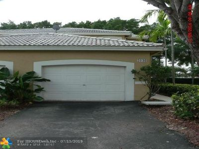 Weston Condo/Townhouse For Sale: 2046 Madeira Dr