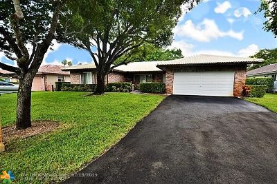 Coral Springs Single Family Home For Sale: 295 NW 107th Ave