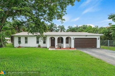 Davie Single Family Home For Sale: 4781 SW 72nd Ave