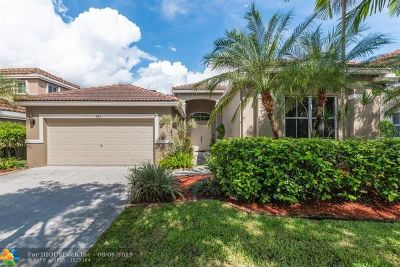 Weston Single Family Home For Sale: 845 Hawthorn Ter
