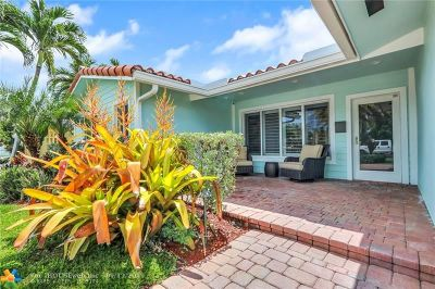 Pompano Beach Single Family Home For Sale: 481 SE 1st Ter