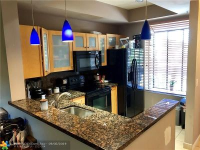 Deerfield Beach Condo/Townhouse For Sale: 2323 SW 15th St #50