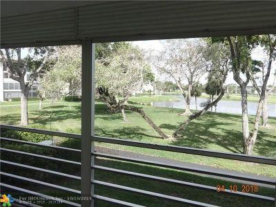 Coconut Creek Condo/Townhouse For Sale: 2903 Victoria Cir #J2