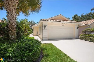 West Palm Beach Condo/Townhouse For Sale: 7908 Pine Island Way #1235