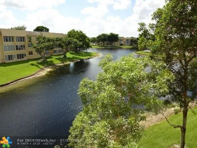 Tamarac Condo/Townhouse For Sale: 5841 NW 61st Ave #310