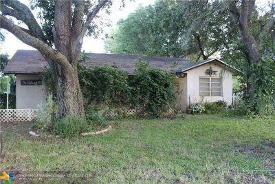 Davie Single Family Home For Sale: 14300 SW 23rd St