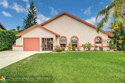 Boca Raton Single Family Home For Sale: 22682 Pickerel Cir