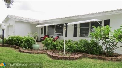 Plantation Single Family Home For Sale: 8920 NW 10th St