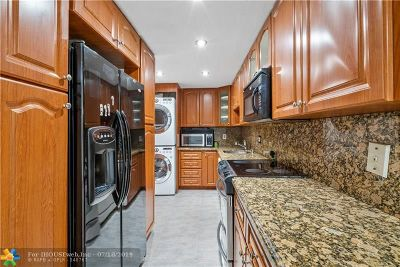 Deerfield Beach Condo/Townhouse For Sale: 1428 SE 4th Ave #145F