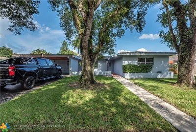 Plantation Single Family Home For Sale: 860 Ixora Ln