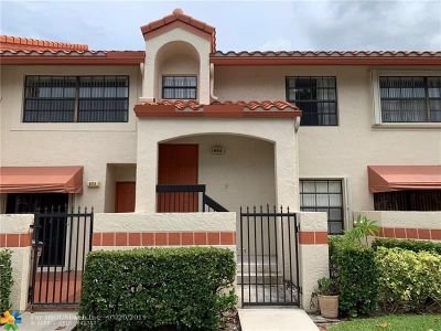 Deerfield Beach Condo/Townhouse For Sale: 804 Congressional Way #804