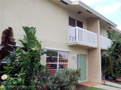 Deerfield Beach Condo/Townhouse For Sale: 1917 NE 3rd St #105
