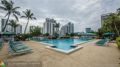 Hallandale Condo/Townhouse For Sale: 800 Parkview Dr #927