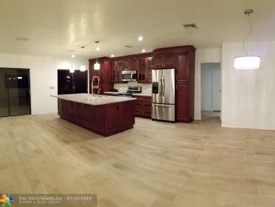 Single Family Home For Sale: 5201 SW 164th Te