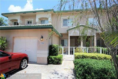 Tamarac FL Condo/Townhouse For Sale: $269,900