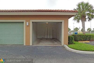 Tamarac Condo/Townhouse For Sale: 7940 N Nob Hill Rd #208