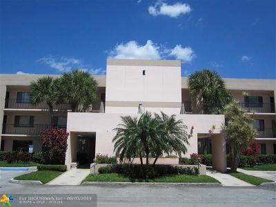 Tamarac Condo/Townhouse For Sale: 7418 Ashmont Cir #E-103