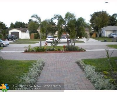 Boca Raton Single Family Home For Sale: 22761 Neptune Rd