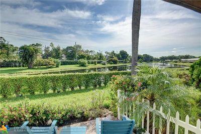 Boca Raton FL Condo/Townhouse For Sale: $149,000