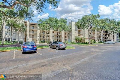 Davie Condo/Townhouse For Sale: 9480 Poinciana Pl #410