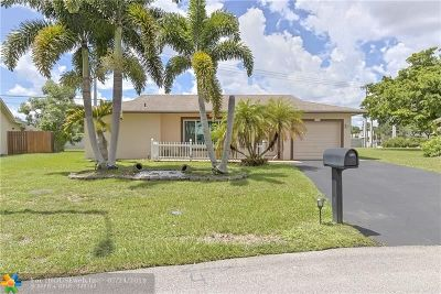 Tamarac Single Family Home For Sale: 9908 NW 70th St