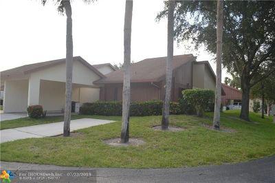 Coconut Creek Condo/Townhouse For Sale: 4601 Tamarind #4601
